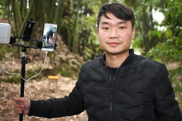 Live-stream đang giúp nhiều nông dân Trung Quốc đổi đời, trở thành người nổi tiếng với thu nhập khoảng 1500 USD/tháng - Ảnh 1.