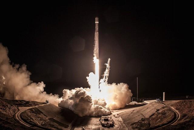 Tên lửa Falcon 9 của SpaceX vừa thực hiện thành công một sứ mệnh bí mật cho chính phủ Mỹ và hạ cánh an toàn - Ảnh 2.