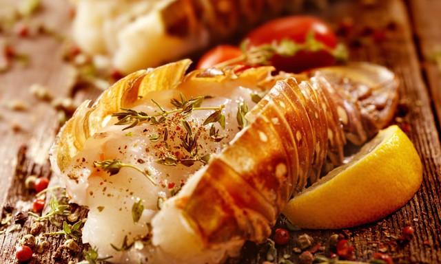 Tôm hùm: Hành trình 150 năm từ thứ đồ ăn đến tù nhân cũng chê, trở thành thực phẩm hạng sang trên bàn ăn giới nhà giàu - Ảnh 4.