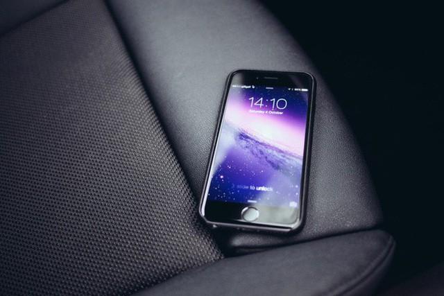 Apple đối mặt với 32 vụ kiện tập thể vì làm chậm iPhone - Ảnh 2.