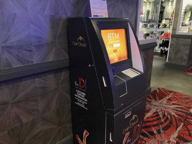 Đi rút 1 USD từ máy ATM Bitcoin và mất trắng, tôi nhận ra bong bóng phồng thật nhanh nhưng vỡ cũng thật nhanh - Ảnh 2.