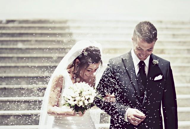Gửi những người trẻ sắp cưới: Đừng bao giờ kết hôn chỉ vì yêu, thôi ảo tưởng tiền bạc không quan trọng và hãy học cách cãi nhau mà không phải kết thúc bằng câu Cô im đi - Ảnh 1.