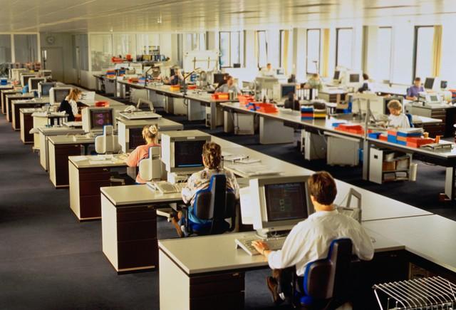 Cảm thấy khốn khổ vì công việc? Bạn có thể là nạn nhân của kiểu thiết kế văn phòng này - Ảnh 2.