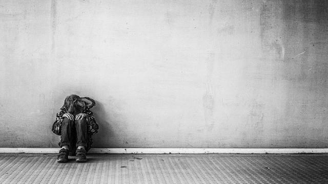 Khoa học mới chứng minh cô đơn là thứ cảm giác nguy hiểm nhất, tác hại ngang 15 điếu thuốc lá/ngày - Ảnh 1.