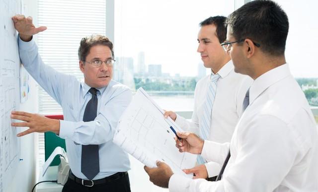 Đây là lý do mà nhiều công ty đang loại bỏ dần các quản lý tầm trung - Ảnh 1.