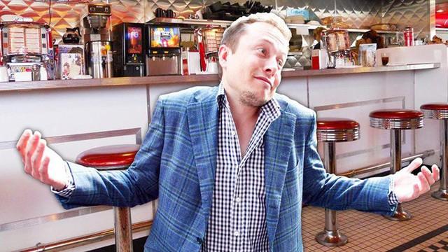 Elon Musk chuẩn bị mở hàng ăn ngay tại trạm sạc Tesla, cạnh tranh với các chuỗi cửa hàng đồ ăn nhanh - Ảnh 1.