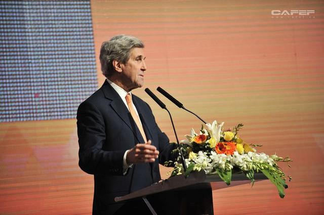Cựu Ngoại trưởng Mỹ John Kerry: Chúng tôi sẽ giúp các bạn có nhà máy điện mặt trời, điện gió, bởi người Việt! - Ảnh 11.