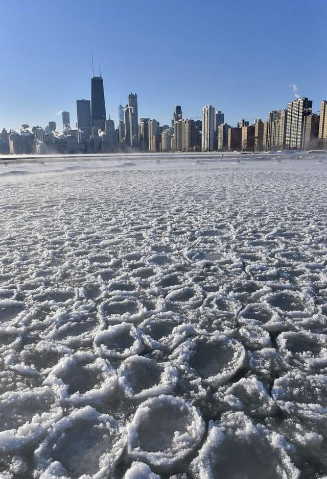 16 cảnh đóng băng giúp bạn thấu hiểu sức mạnh dữ dội của giá lạnh trời Tây - Ảnh 12.
