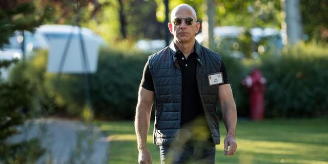 Cấm dùng Powerpoint, làm việc ở đây không dễ đâu và 7 ví dụ về phong cách quản lý không giống ai của Jeff Bezos - Ảnh 4.
