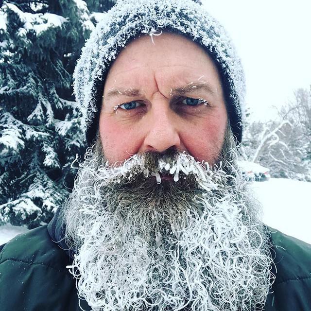 16 cảnh đóng băng giúp bạn thấu hiểu sức mạnh dữ dội của giá lạnh trời Tây - Ảnh 4.