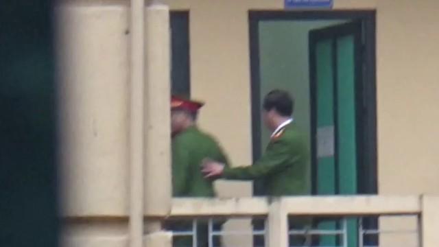 Xét xử ông Đinh La Thăng, Trịnh Xuân Thanh và đồng phạm: Các bị cáo được đưa trở lại phòng xử  - Ảnh 5.