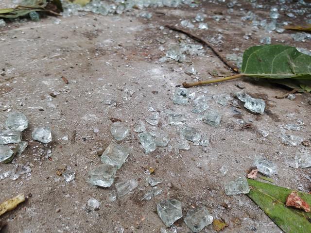Bắc Ninh: Sức công phá của vụ nổ khủng khiếp đến nỗi tạo ra hố sâu lớn, nhiều cửa kính cường lực cách 200-300 mét vỡ nát - Ảnh 6.