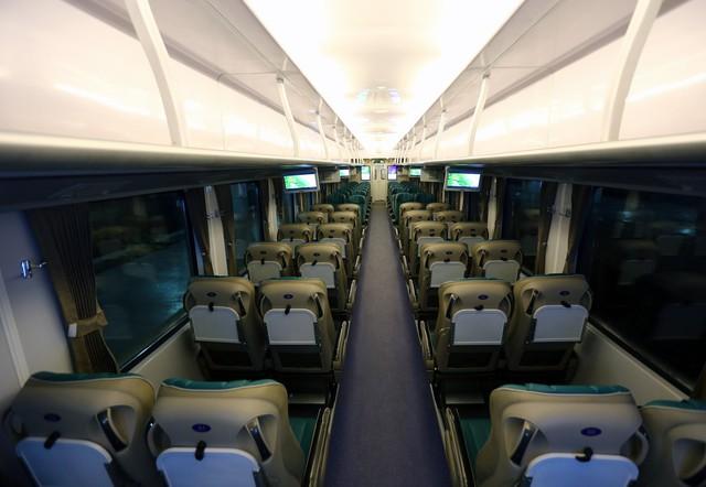 Thử nghiệm đoàn tàu thế hệ mới cùng suất ăn hàng không trên tuyến đường sắt Bắc Nam - Ảnh 6.