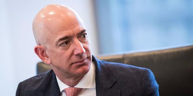 Cấm dùng Powerpoint, làm việc ở đây không dễ đâu và 7 ví dụ về phong cách quản lý không giống ai của Jeff Bezos - Ảnh 7.