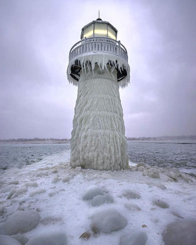 16 cảnh đóng băng giúp bạn thấu hiểu sức mạnh dữ dội của giá lạnh trời Tây - Ảnh 7.