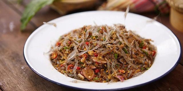 Món ăn sống còn nhảy tanh tách, ai cũng muốn bỏ chạy nhưng rất nổi tiếng ở Thái Lan - Ảnh 8.