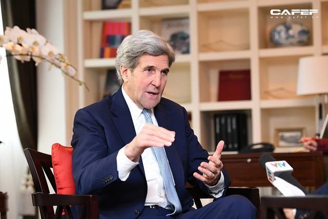 Cựu Ngoại trưởng Mỹ John Kerry: Chúng tôi sẽ giúp các bạn có nhà máy điện mặt trời, điện gió, bởi người Việt! - Ảnh 8.