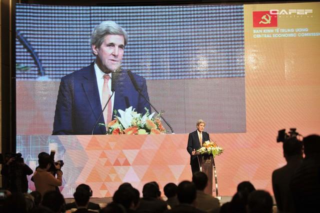Cựu Ngoại trưởng Mỹ John Kerry: Chúng tôi sẽ giúp các bạn có nhà máy điện mặt trời, điện gió, bởi người Việt! - Ảnh 9.