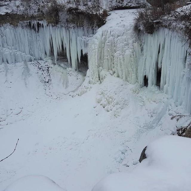 16 cảnh đóng băng giúp bạn thấu hiểu sức mạnh dữ dội của giá lạnh trời Tây - Ảnh 10.