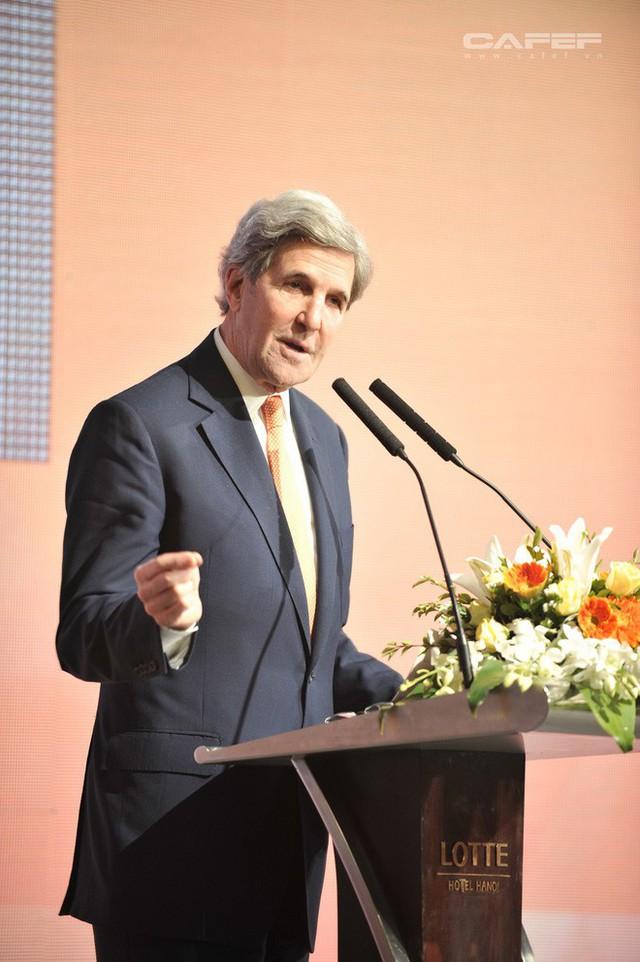 Cựu Ngoại trưởng Mỹ John Kerry: Chúng tôi sẽ giúp các bạn có nhà máy điện mặt trời, điện gió, bởi người Việt! - Ảnh 10.