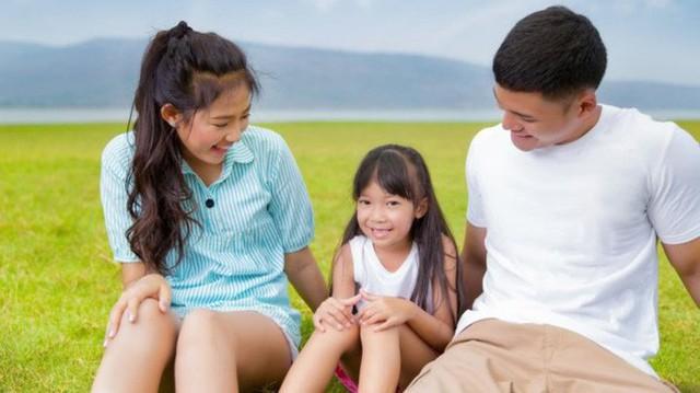Trước 12 tuổi, cha mẹ nhất định phải nói với con 8 câu đáng giá này, trẻ sẽ sớm thành công và hạnh phúc - Ảnh 1.