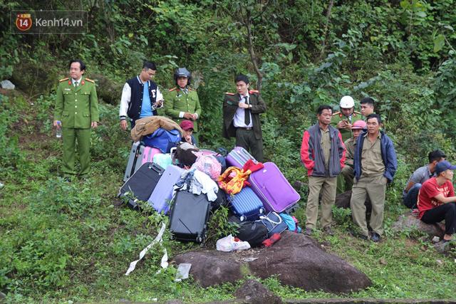 Khởi tố tài xế xe khách chở hơn 20 sinh viên lao xuống đèo Hải Vân - Ảnh 1.