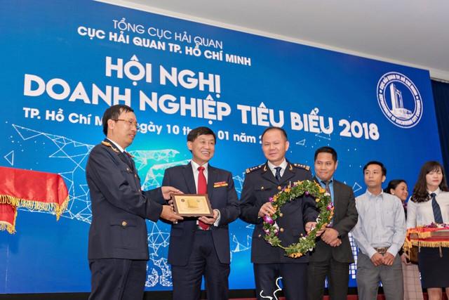 Hải quan TP. Hồ Chí Minh tôn vinh 200 doanh nghiệp đóng thuế tiêu biểu năm 2018 - Ảnh 2.