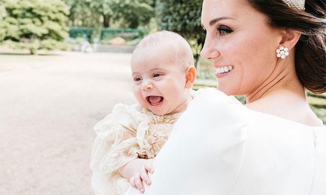 Đâu chỉ có ở Anh, các em bé hoàng gia trên khắp thế giới cũng toàn cực phẩm, xinh như thiên thần, đại diện châu Á đáng gờm không kém - Ảnh 11.