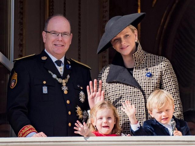 Đâu chỉ có ở Anh, các em bé hoàng gia trên khắp thế giới cũng toàn cực phẩm, xinh như thiên thần, đại diện châu Á đáng gờm không kém - Ảnh 21.