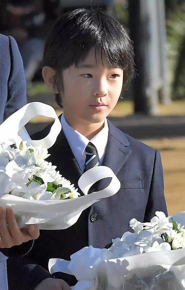 Đâu chỉ có ở Anh, các em bé hoàng gia trên khắp thế giới cũng toàn cực phẩm, xinh như thiên thần, đại diện châu Á đáng gờm không kém - Ảnh 26.