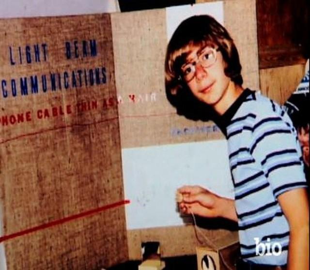 Tuổi thơ dữ dội của Jeff Bezos: Họ Bezos là của cha dượng, cha đẻ biệt tích mấy chục năm mới gặp lại - Ảnh 4.