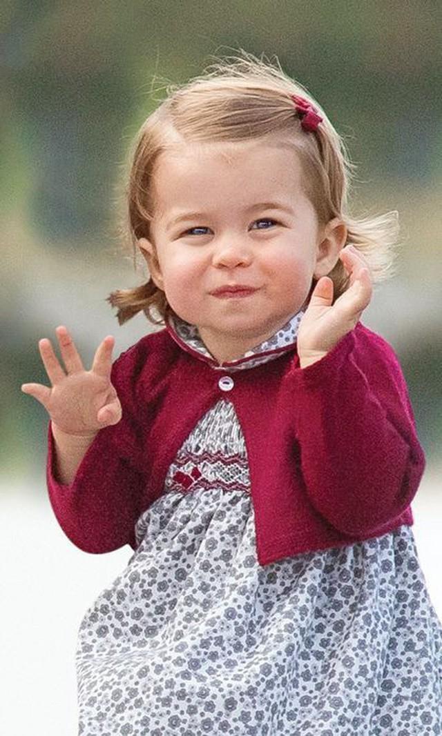 Đâu chỉ có ở Anh, các em bé hoàng gia trên khắp thế giới cũng toàn cực phẩm, xinh như thiên thần, đại diện châu Á đáng gờm không kém - Ảnh 7.