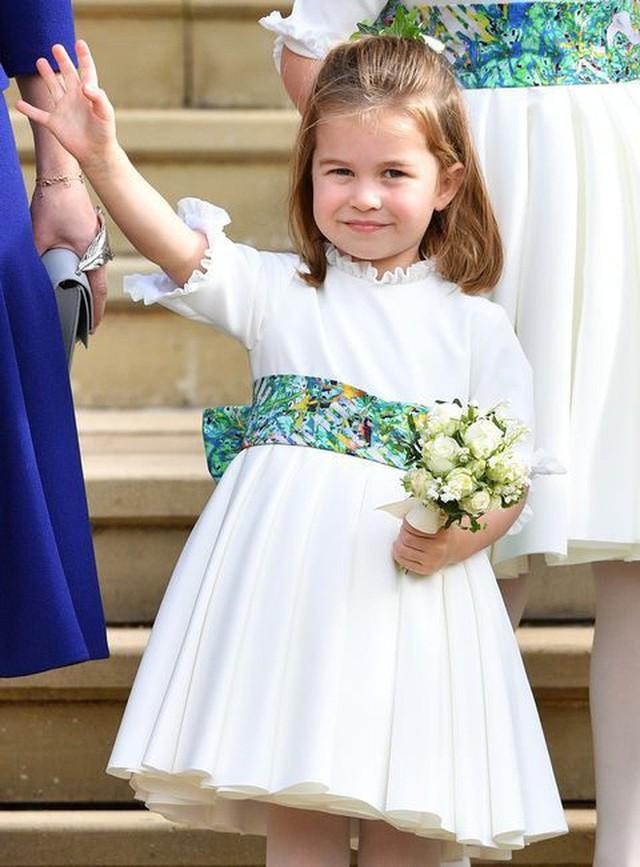 Đâu chỉ có ở Anh, các em bé hoàng gia trên khắp thế giới cũng toàn cực phẩm, xinh như thiên thần, đại diện châu Á đáng gờm không kém - Ảnh 8.