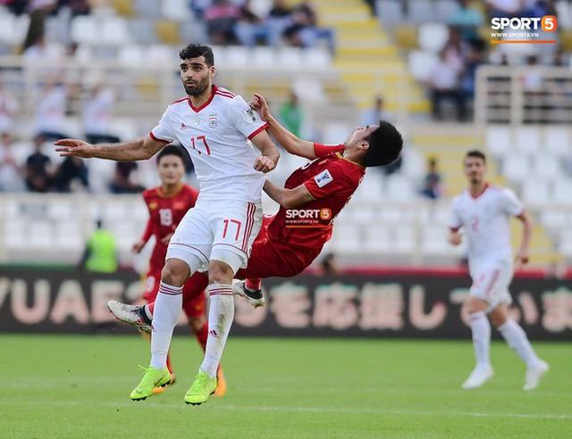 asian cup 2019 - photo 1 1547342478903856034151 - Đức Huy mất trí nhớ tạm thời sau pha va chạm kinh hoàng với cầu thủ Iran
