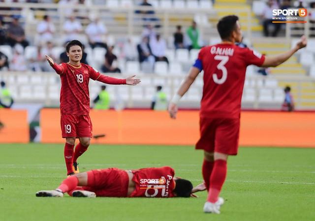 asian cup 2019 - photo 2 1547342478905355483143 - Đức Huy mất trí nhớ tạm thời sau pha va chạm kinh hoàng với cầu thủ Iran