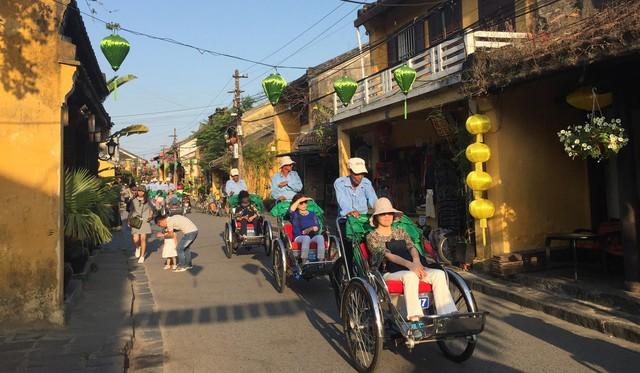 Báo Hong Kong lý giải ở sao càng ngày càng nhiều người Hàn Quốc đổ xô tới Việt Nam du lịch - Ảnh 1.