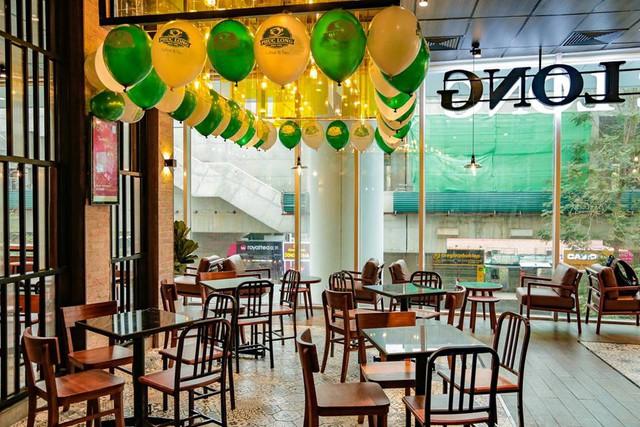 Chuỗi Phúc Long đã chính thức Bắc tiến, cửa hàng đầu tiên tại Hà Nội đặt ngay kế bên 2 đại gia Starbucks và Highlands Coffee - Ảnh 6.
