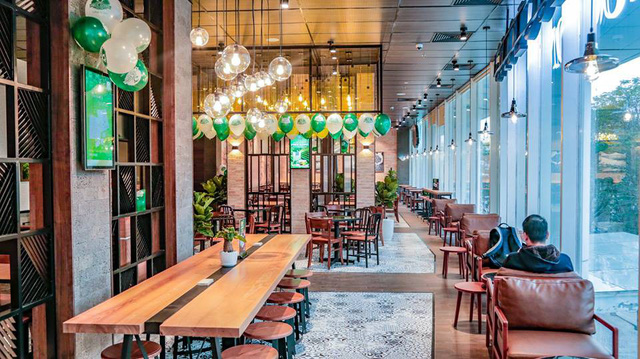 Chuỗi Phúc Long đã chính thức Bắc tiến, cửa hàng đầu tiên tại Hà Nội đặt ngay kế bên 2 đại gia Starbucks và Highlands Coffee - Ảnh 2.