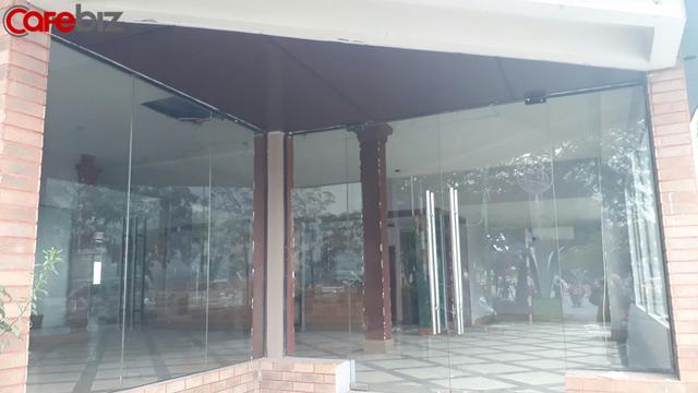 Cửa hàng The Coffee Bean and Tea Leaf view Hồ Tây trên đường Thanh Niên (Hà Nội) đã chính thức đóng cửa - Ảnh 4.