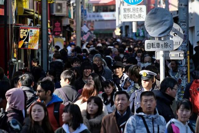 Từ ngày 7/1, du khách sẽ phải đóng hơn 200 nghìn đồng thuế xuất cảnh khi rời khỏi Nhật Bản - Ảnh 1.