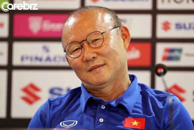 Cựu trợ lý HLV Park Hang Seo: Từ nay, người nước ngoài sẽ nhìn chúng ta với con mắt tôn trọng, chứ không phải là bằng 1/2 con mắt như ngày xưa - Ảnh 1.