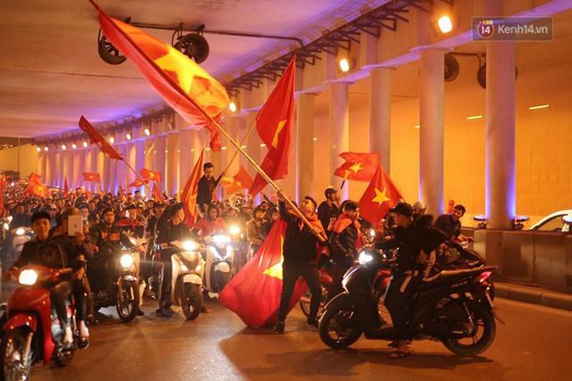 Thử thách #1yearchallenge rực rỡ của đội tuyển Việt Nam: Kịch bản lặp lại, nhưng ngựa ô đã hóa thành ngựa chiến - Ảnh 6.
