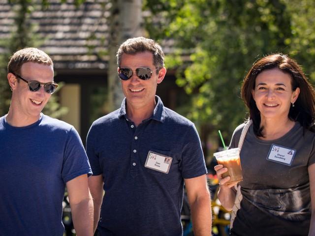 Mặc scandal chồng chất, uy tín doanh nghiệp giảm thê thảm, nhân viên Facebook vẫn '1 lòng 1 dạ' có Mark Zuckerberg - Ảnh 1.