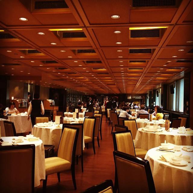 Cuộc sống thượng lưu của giới siêu giàu tại Hồng Kông - Ảnh 20.