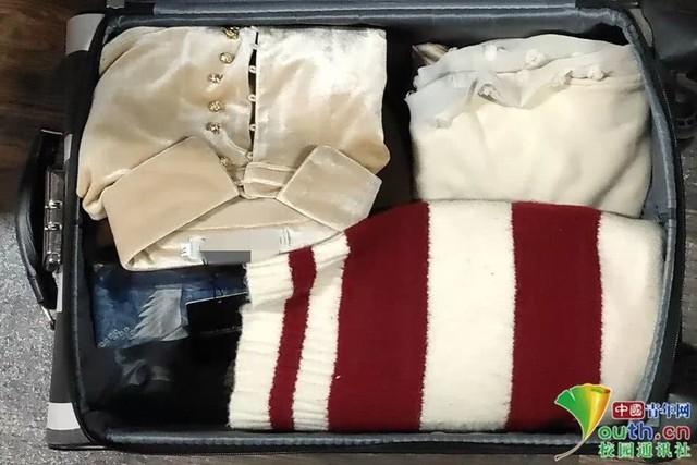 Chết cười với vali về quê của sinh viên: Mang một đống sách vở về học vì ngại đi chơi - Ảnh 11.