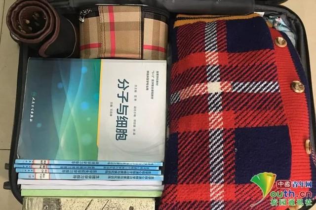 Chết cười với vali về quê của sinh viên: Mang một đống sách vở về học vì ngại đi chơi - Ảnh 13.