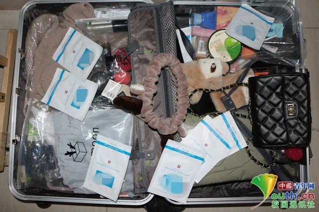 Chết cười với vali về quê của sinh viên: Mang một đống sách vở về học vì ngại đi chơi - Ảnh 15.