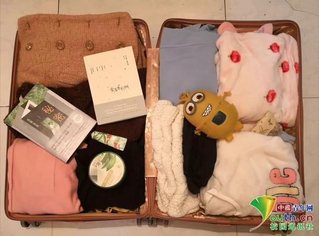 Chết cười với vali về quê của sinh viên: Mang một đống sách vở về học vì ngại đi chơi - Ảnh 6.