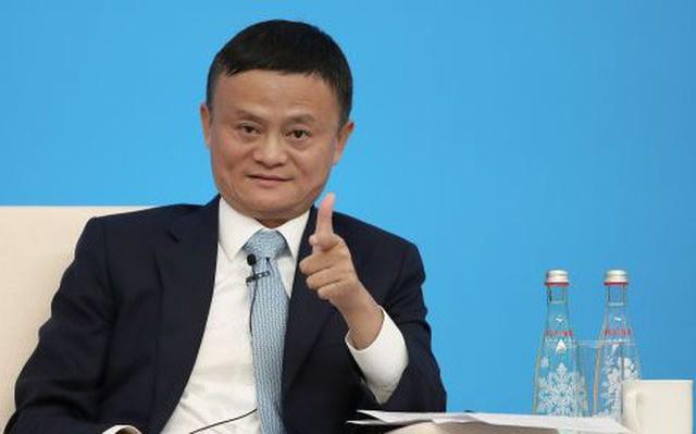 Jack Ma nhắn nhủ người trẻ: Ra trường đừng nhăm nhăm nộp hồ sơ vào công ty lớn, hãy tìm một vị sếp tốt và gắn bó với ông ấy 3 năm