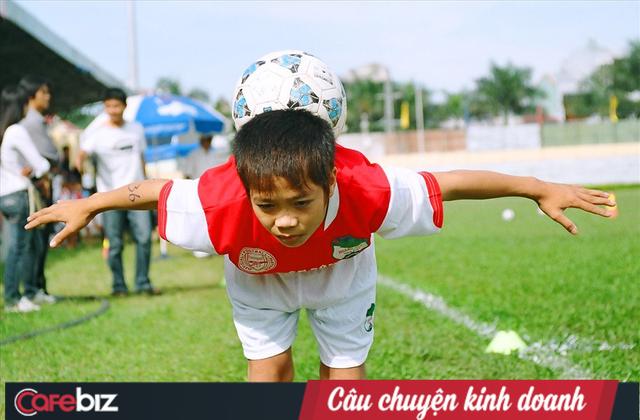 1 năm thành công của bóng đá Việt Nam: Cảm ơn các ông bầu, cảm ơn những lò đào tạo trẻ! - Ảnh 2.